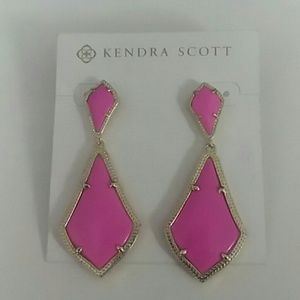 NWT Kendra Scott - Alexa Gold Magenta Earrings